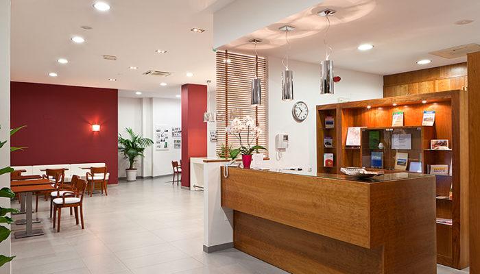 Recepción - Hotel Mena Plaza ** | Hotel en Nerja