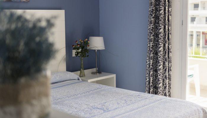 king bed apartamento - Hotel Mena Plaza ** | Hotel en Nerja
