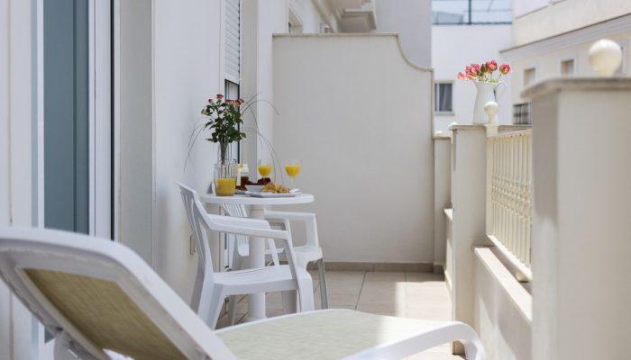 Terraza habitación - Hotel Mena Plaza ** | Hotel en Nerja