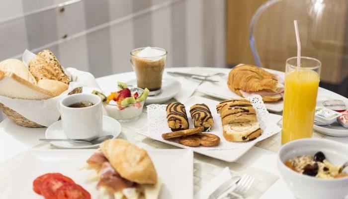 Desayuno Continental - Hotel Mena Plaza ** | Hotel en Nerja