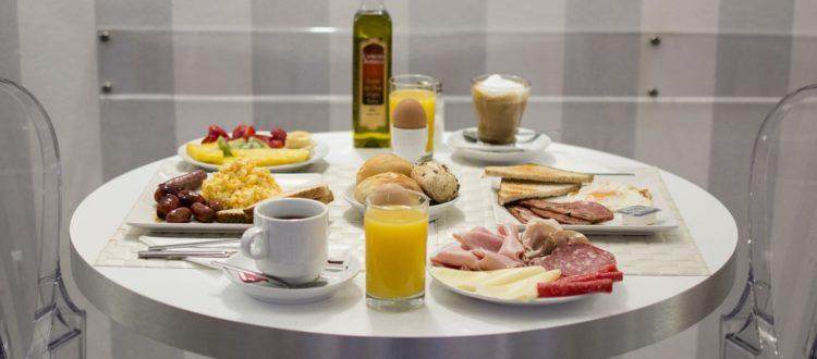 Buffet restaurante - Hotel Mena Plaza ** | Hotel en Nerja