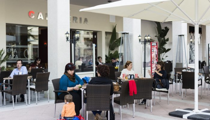 Terraza al aire libre - Hotel Mena Plaza ** | Hotel en Nerja