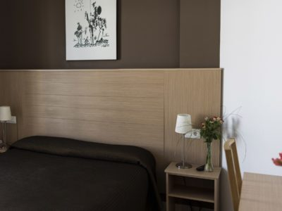 Cama de matrimonio - Hotel Mena Plaza ** | Hotel en Nerja