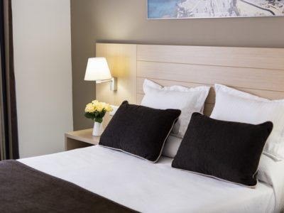 habitación superior king size bed - Hotel Mena Plaza ** | Hotel en Nerja