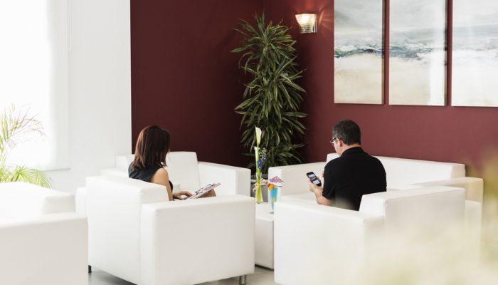 Sillones Recepción - Hotel Mena Plaza ** | Hotel en Nerja