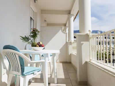 Habitación superior con terraza - Hotel Mena Plaza ** | Hotel en Nerja