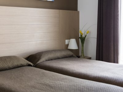 Single beds - Hotel Mena Plaza ** | Hotel en Nerja