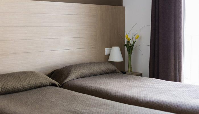 Habitación Familiar - Hotel Mena Plaza ** | Hotel en Nerja